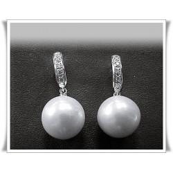 Pendientes perla y brillantes